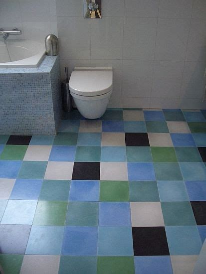 badkamertegels nijmegen blauwe mix cementtegels in badkamer nijmegen linas