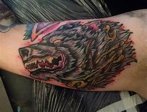 Arm Old School Wolf Tattoo by Physical Graffiti