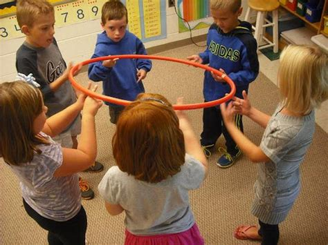 28 creative team building activities for foliver 490 | 1 Hula Hoop Team Building Activity