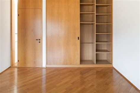 Wood Closet Doors For Bedrooms by Stylish And Closet Doors For Bedrooms