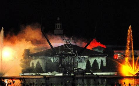 10 Famed Flamed Statues & Monuments