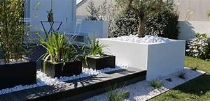 pinterest 9 idees pour mettre de l39anthracite dans le jardin With déco chambre bébé pas cher avec bac a fleurs exterieur en pierre