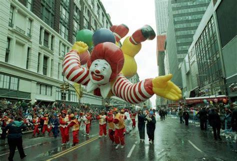 anorak news maceys thanksgiving parade weird balloon