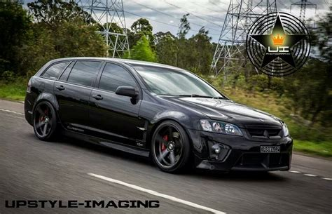 What Does Everyone Think Of The Hsv R8 Tourer? Insane