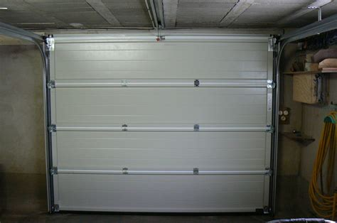 comment isoler une porte de garage isolation garage atelier besoin d aide usinages
