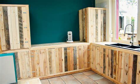 meuble cuisine en palette fabriquer des meubles de cuisine avec des palettes en bois