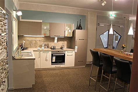 preiswerte einbauküchen mit elektrogeräten preisg 195 188 nstige k 195 188 chen free ausmalbilder