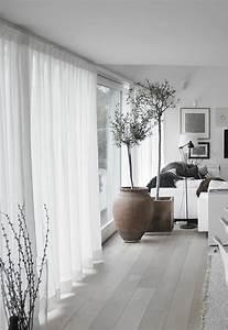 Einamalige dekoideen f rs wohnzimmer wei e gardinen for Gardinen fürs wohnzimmer