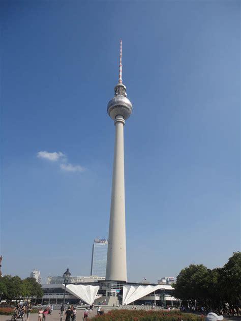 Fernsehturm Berlin by Berlin Fernsehturm Tv Tower Skyline Views