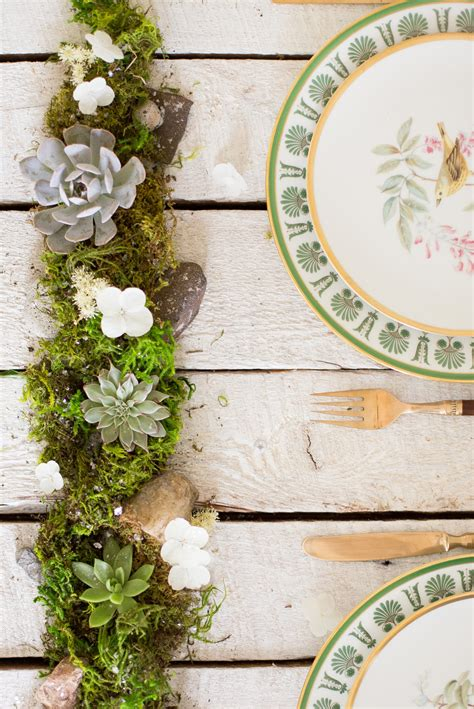 Kitchen Centerpiece Ideas - diy succulent centerpiece flax twine