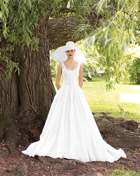 perfect gowns   outdoor wedding martha stewart weddings