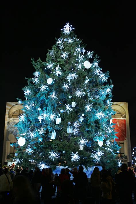 hines drive christmas lights guide to the wayne county lightfest cbs detroit