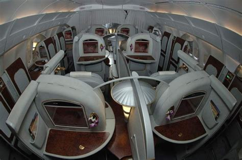 siege a380 emirates plan de cabine emirates boeing b777 200 three class