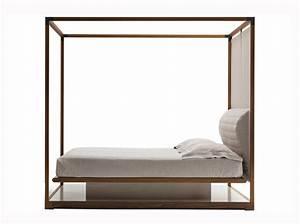 Lit Baldaquin Bois : le lit baldaquin se refait une beaut elle d coration ~ Teatrodelosmanantiales.com Idées de Décoration