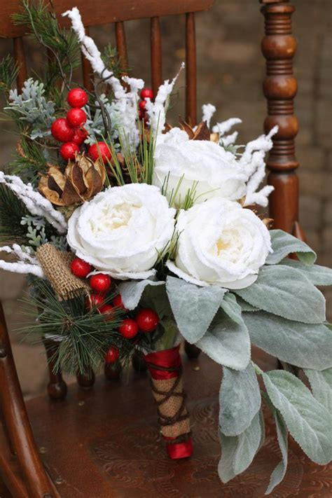 35+ Awesome Festive Christmas Theme Winter Wedding Ideas