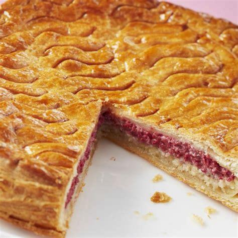 galette des rois hervé cuisine recette galette des rois à la framboise cuisine madame