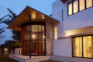 Malaysian Bungalow Turned Into A Modern Residence: The