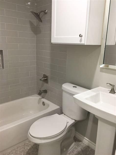 guest bath walls repose gray sw  trim pure