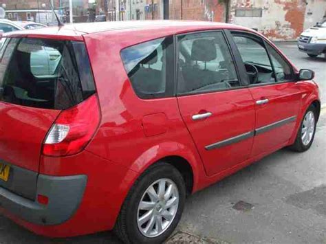 renault grand scenic 1 5dci 106 7 seater dynamique s mpv 3 months