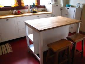 free standing kitchen islands with seating for 4 副スペースとしてのアイランドキッチン 住宅デザイン