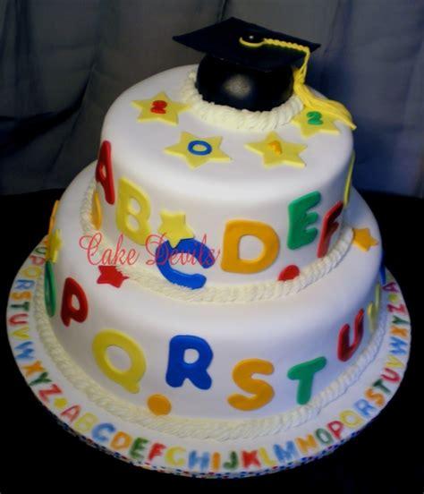 preschool graduation cake 30 awesome graduation desserts oh my creative 152