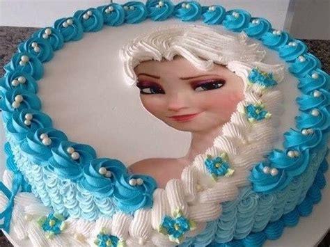 Unsere liebevoll gestalteten kindertorten begeistern durch die aufwendige gestaltung. Elsa Eiskönigin Torte   Elsa torte ...