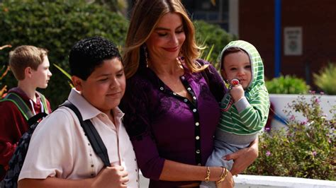 modern family season 5 www pixshark images galleries with a bite