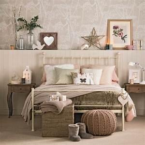Bilder über Bett : ber bett deko ~ Watch28wear.com Haus und Dekorationen