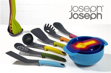 ustensiles de cuisine joseph carrousel 6 ustensiles de cuisine en bois joseph joseph
