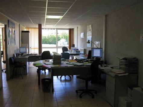 location bureau 13 location bureaux de 70 m le mirabeau centre d 39 affaires