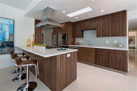 idees de cuisine moderne ou le bois est  la mode