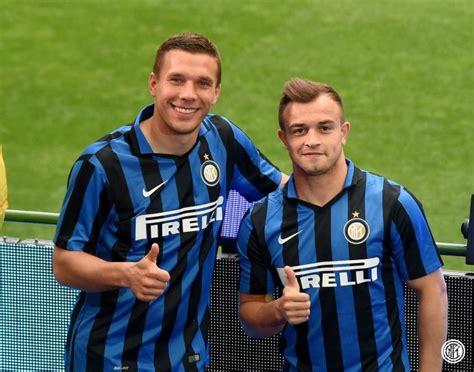 Inter de Milão lança uniforme em evento com torcedores no ...