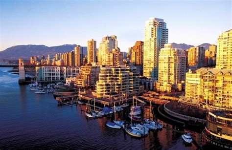 vancouver travel guide    book  print