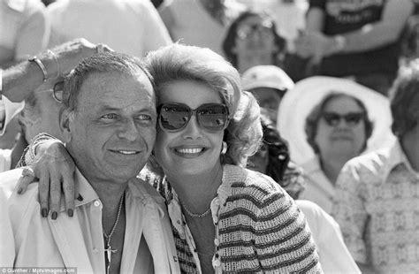 Frank Sinatra Parties With Rat Pack In Las Vegas In Photos