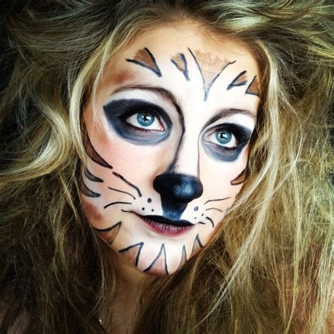 tiger schminken frau tiger make up mit normaler kosmetik