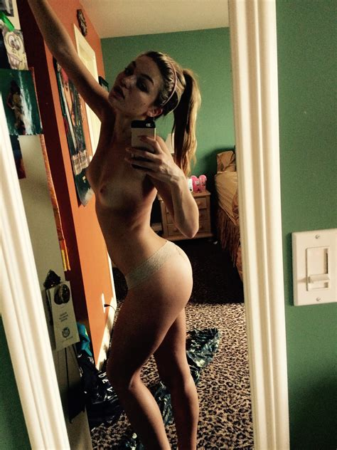Naked Leaked Photos Of Lili Simmons Thefappening