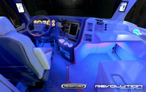 freightliner revolution concept truck review  top