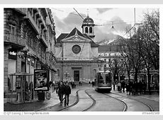 Black and White PicturePhoto Street with people walking