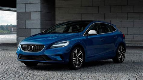 Review The Facelifted Volvo V40 Hatchback  Top Gear