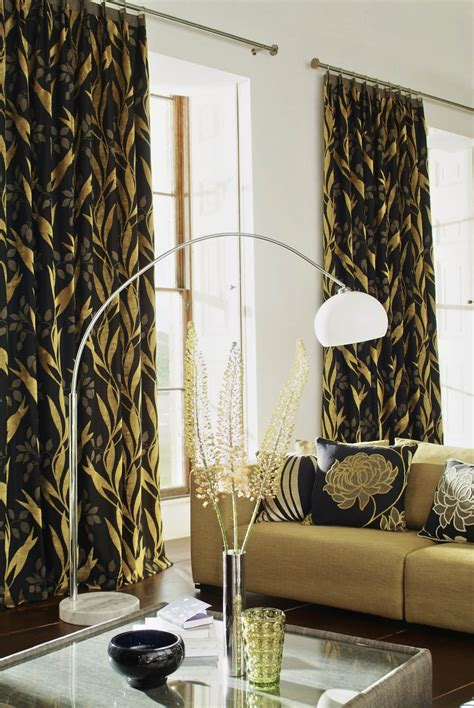 bold and beatuiful drapery fabric interior design