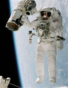 Putting on a Spacesuit | HowStuffWorks