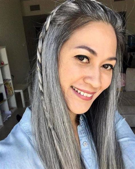 Women With Natural Gray Hair 50 Pics