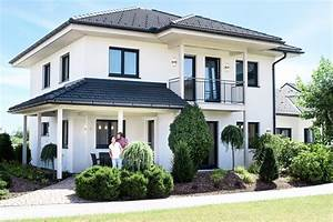 Haus Mit Walmdach : fertighaus grande 138 haas fertighaus ~ Lizthompson.info Haus und Dekorationen