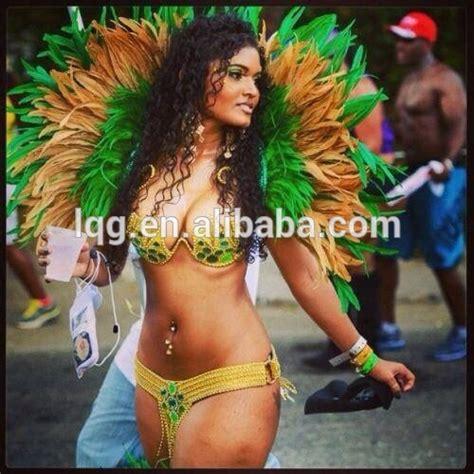siege auto et age gros femmes brésil carnaval costume dame performances