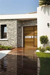 porte d39entree en bois ton miel piscine et jardin With porte d entrée alu avec vanité de salle de bain liquidation