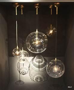 Luminaire Suspension Design : luminaire suspendu boule verre design en image ~ Teatrodelosmanantiales.com Idées de Décoration