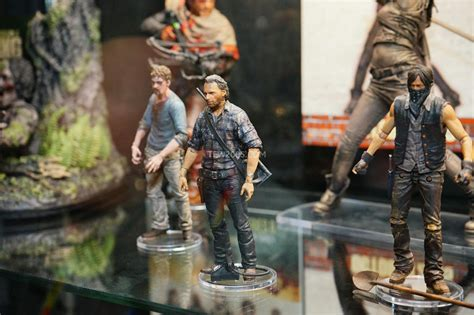New Photos Of Mcfarlane Toys' The Walking Dead Figures