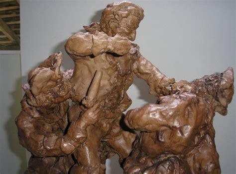 sculpture en argile et terre cuite de mandrin