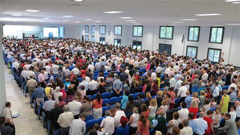 Ultime Notizie Di Politica Interna by Testimoni Di Geova In Congresso A Roma Oggi Il Battesimo