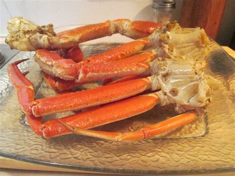 how to make snow crab legs diab2cook alaskan snow crab legs w sliced new potatoes green beans and pasta salad